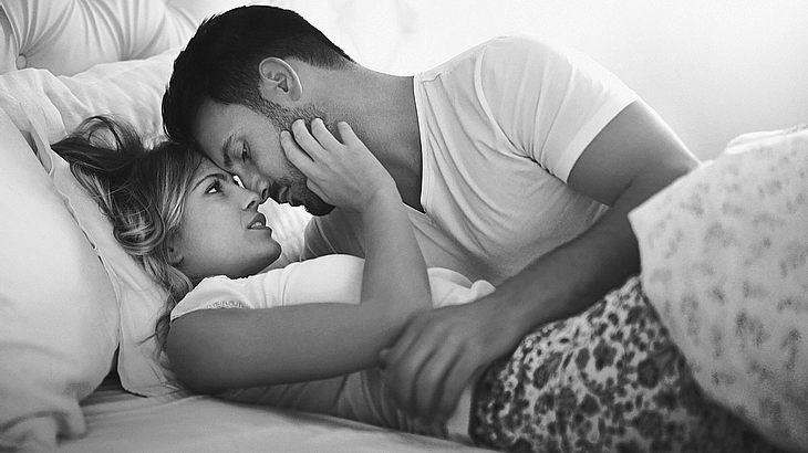 Paar im Bett