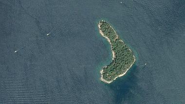 Die kroatische Mittelmeerinsel Daksa - Foto: CNES / Airbus, TerraMetrics / Google