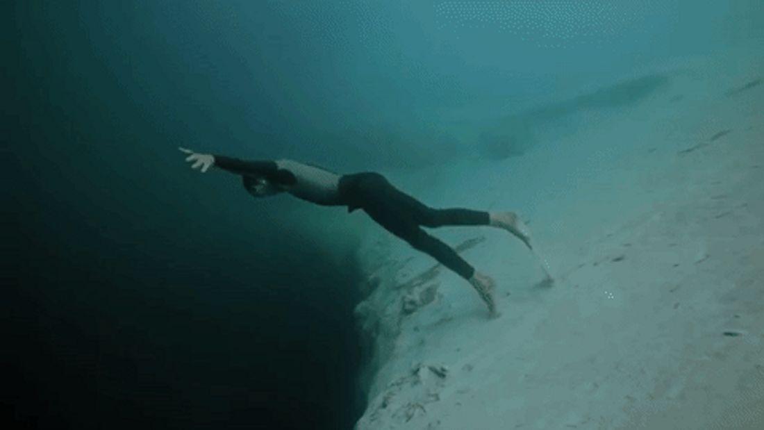 Das Dean's Blue Hole auf den Bahamas