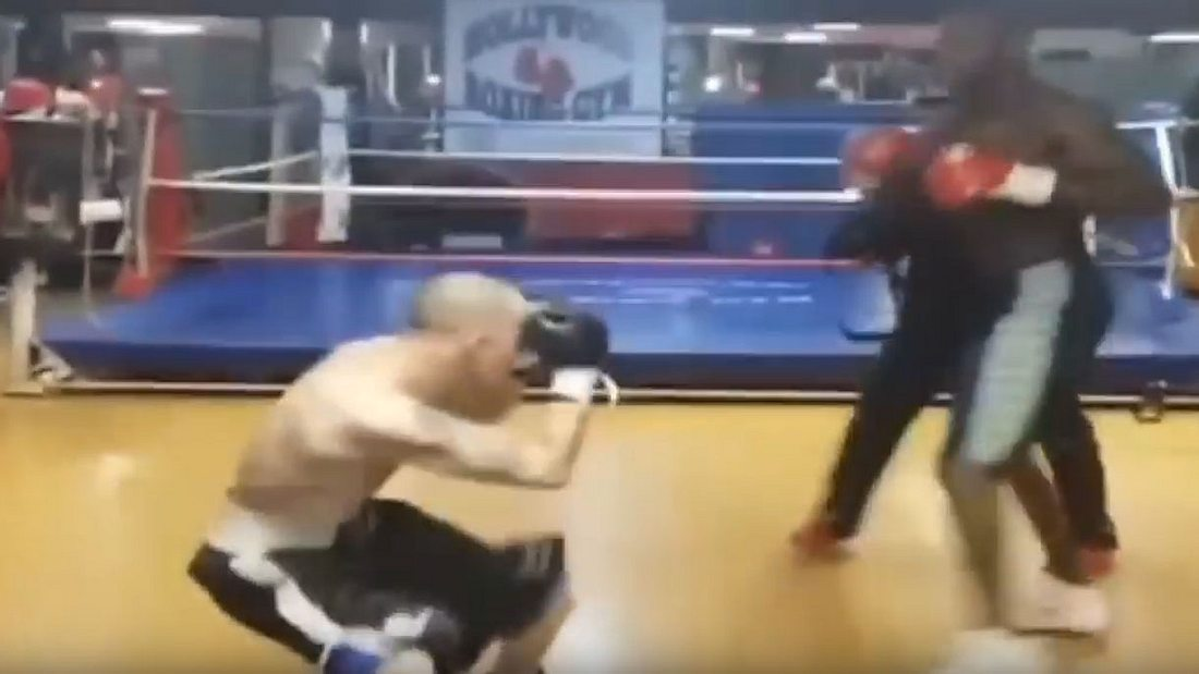 Charlie Zelenoff trifft Deontay Wilder.
