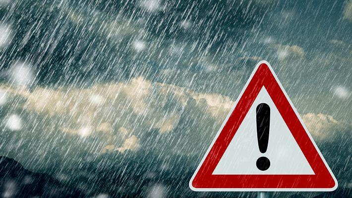 Deutscher Wetterdienst warnt - Foto: iStock / trendobjects
