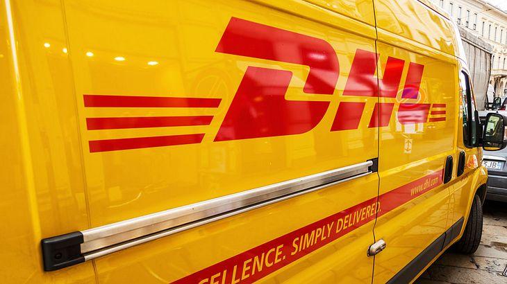 Polizei warnt: Das müssen jetzt alle wissen, die Pakete von DHL bekommen