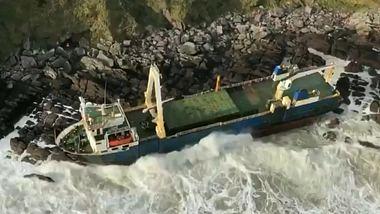 Mysteriöses Geisterschiff an irischer Küste angespült