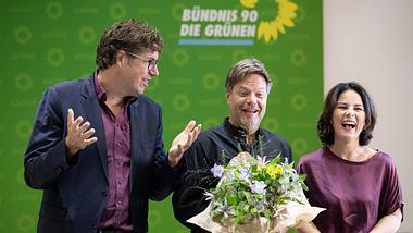 Michael Kellner, Robert Habeck, Annalena Baerbock - Foto: Getty Images/Maja Hitij