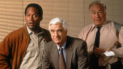O. J. Simpson, Leslie Nielsen und George Kennedy (v.l.n.r.) in Die nackte Kanone - Foto: Paramount Home Entertainment
