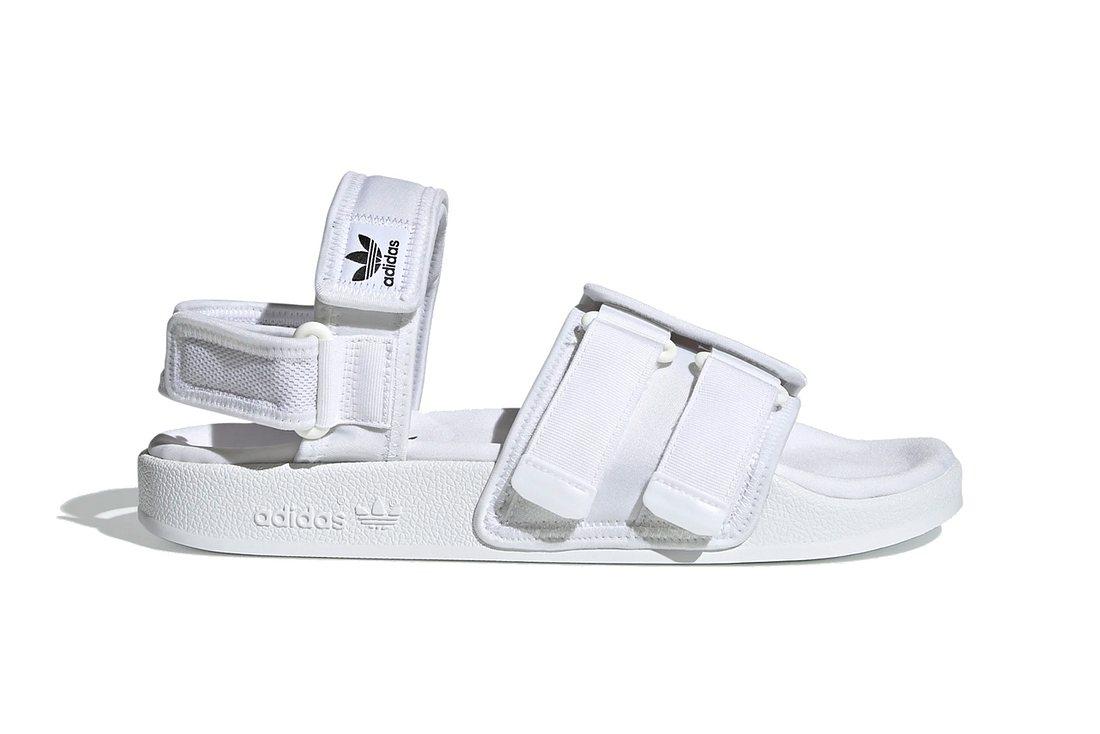 Die New adilette von adidas