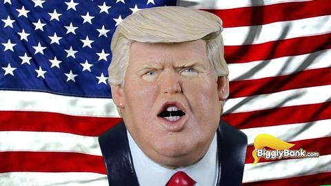 Dieses Donald-Trump-Sparschwein spricht bei Münzeinwurf