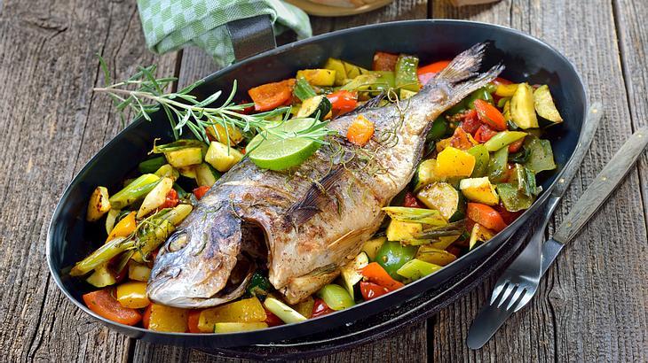 Dorade im Ofen zubereiten: So einfach geht's