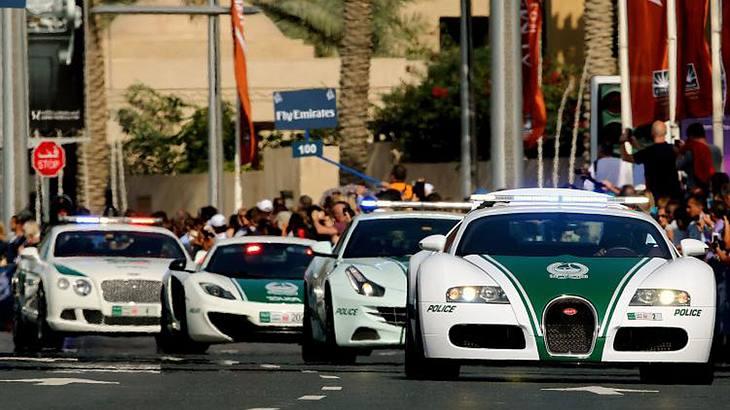 Über 50 dating-handelspaare im auto polizist