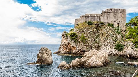 Die Festung Lovrijenac im kroatischen Dubrovnik - Foto: iStock / sunlow