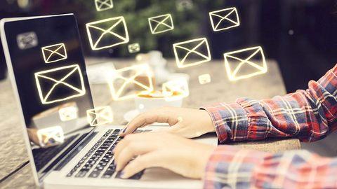 Studie beweist: Dieses eine Wort am Ende einer E-Mail erhöht die Antwort-Rate drastisch - Foto: iStock / peshkov