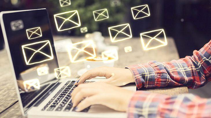 Studie beweist: Dieses eine Wort am Ende einer E-Mail erhöht die Antwort-Rate drastisch
