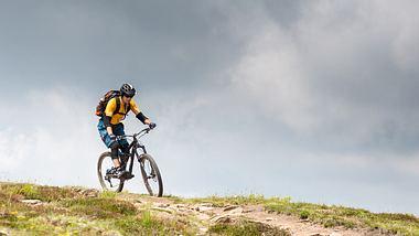 E-Mountainbike kaufen: Die besten Modelle im Check