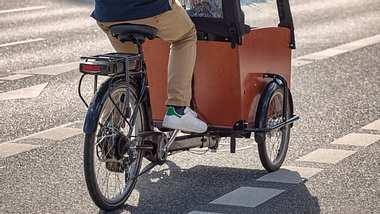 Elektro Lastenrad - die besten Modelle im Vergleich - Foto: Canetti/iStock
