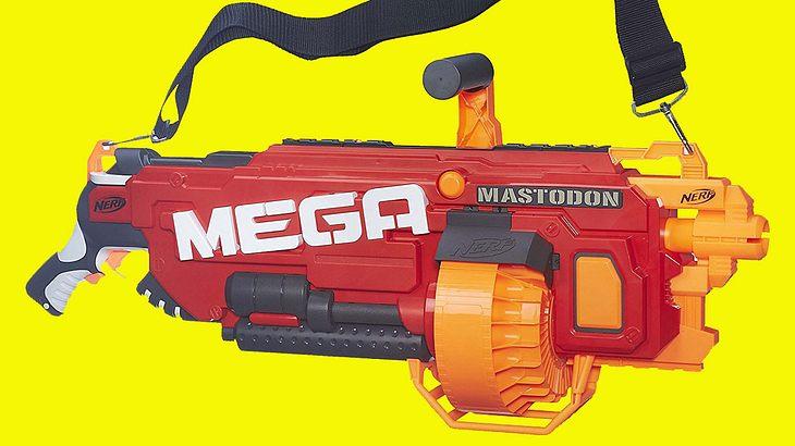 Der Mega Mastodon ist nicht nur der erste motorisierte Mega-Blaster, sondern der bisher größte Blaster aus dem Hause Nerf