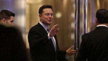 Tesla-Gründer Musk: Skandal um Hitler-Tweet