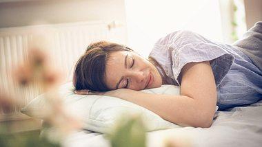 In nur 60 Sekunden schlafen: Dieser Trick machts möglich!