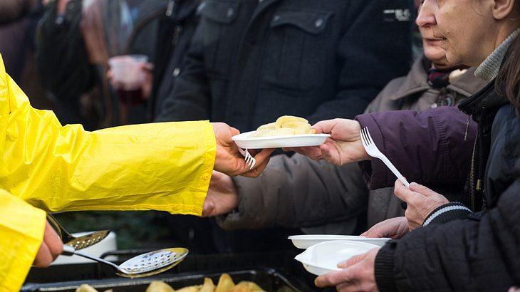 Keine Lebensmittel für Ausländer - Essener Tafel bedient nur noch Deutsche