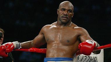Evander Holyfield im Boxring - Foto: Getty Images / Al Bello