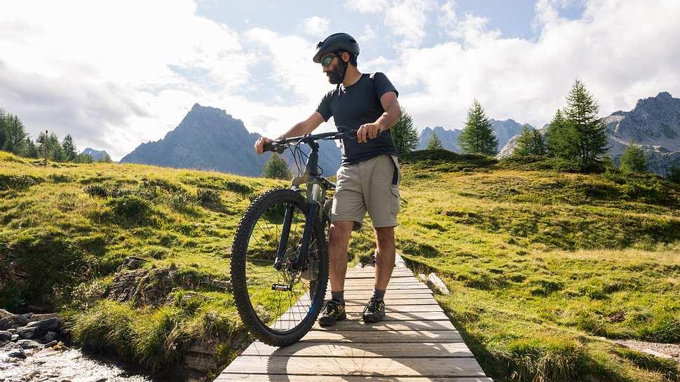 Fahrradtour: Die fünf schönsten Radtouren durch Deutschland - Foto: iStock / Alessandra Eusebio