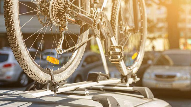 Fahrrad-Dachträger für einen sicheren Transport