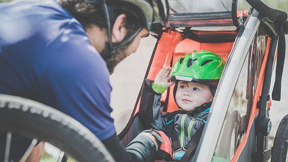 Fahrradanhänger für Kinder: Sicherer Transport im Straßenverkehr
