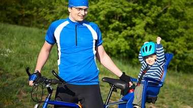 Fahrradhelm Baby - Foto: iStock/zhuzhu