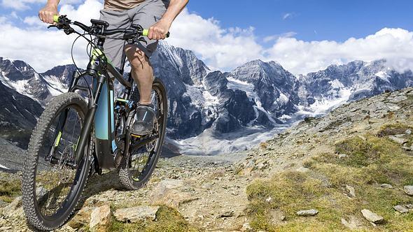 Mit dem Fahrrad durch Finnland - Foto: iStock / filrom