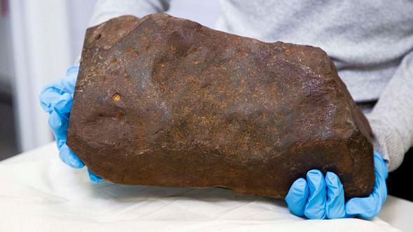 4,6 Milliarden Jahre alter Felsbrocken - Foto: Museums Victoria