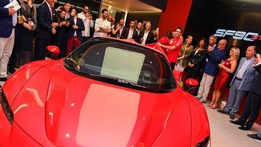 Höllenritt im 1000-PS-Ferrari - Foto: Getty Images / Mike Marsland