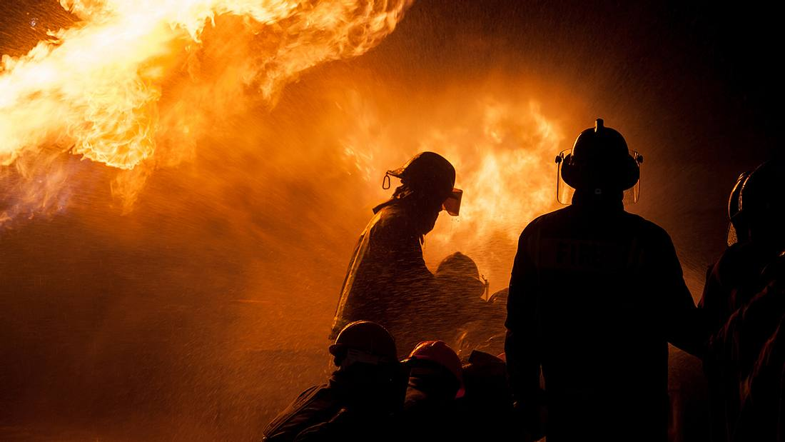 Große Geste: Frau begleicht Rechnung von Feuerwehrmännern