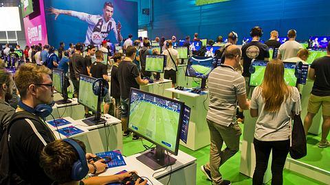 FIFA 19: So tief müssen Gamer in die Tasche greifen