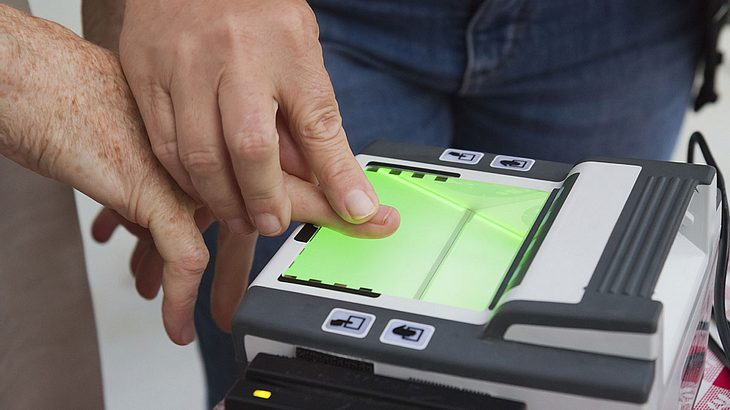Schon nächstes Jahr: Fingerabdruck auf Ausweisen Pflicht