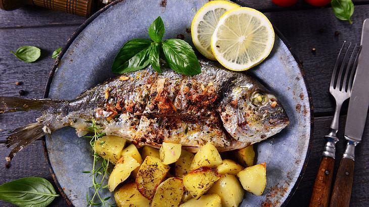 Fisch im Backofen zubereiten: So einfach geht's