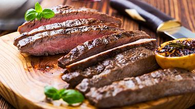 Flank Steak: Trend-Fleisch der BBQ-Experten - Foto: iStock / istetiana