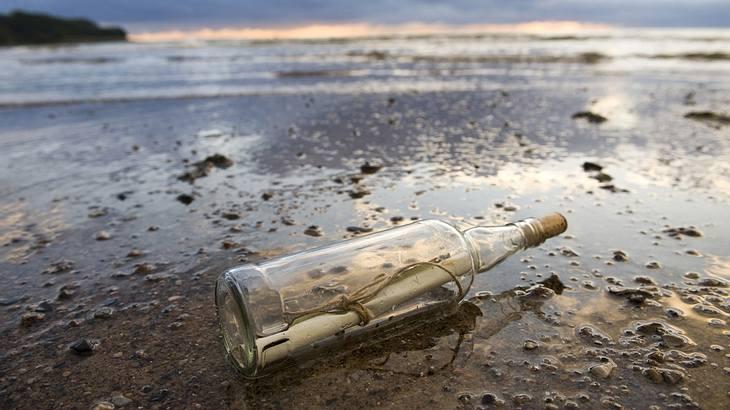 Älteste Flaschenpost der Welt angespült – sie kommt aus Deutschland