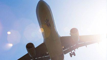 Flugzeug - Foto: iStock / Teka77