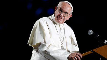 Vaterunser: Papst Franziskus will das Gebet ändern lassen - Foto: Getty/MichaelCampanella