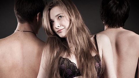 Frau mit zwei Männern - Foto: iStock