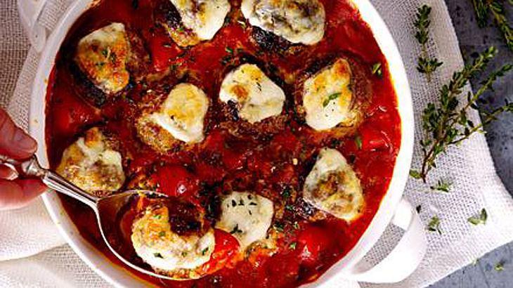 Frikadellen in Curry-Tomatensoße