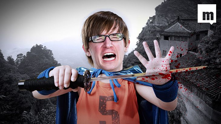 Das passiert, wenn ein Möchtegern-Ninja sich aus Versehen mit einem Schwert in die Hand fetzt