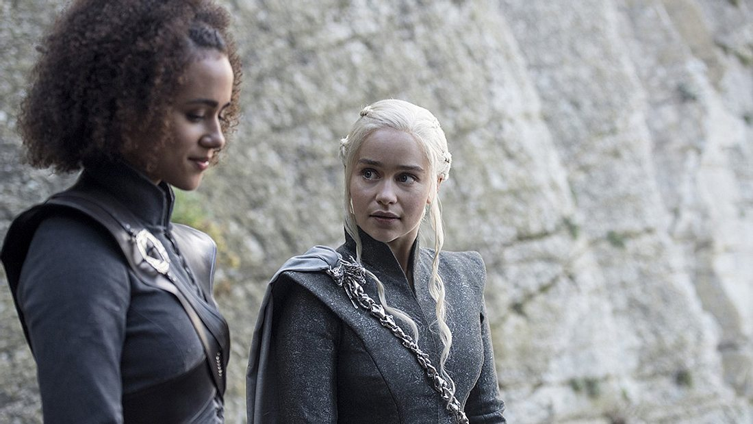 Nathalie Emmanuel und Emilia Clarke in Game of Thrones