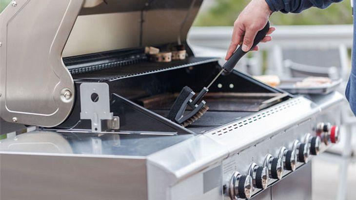 Gasgrill reinigen: Die besten Tipps & Produkte