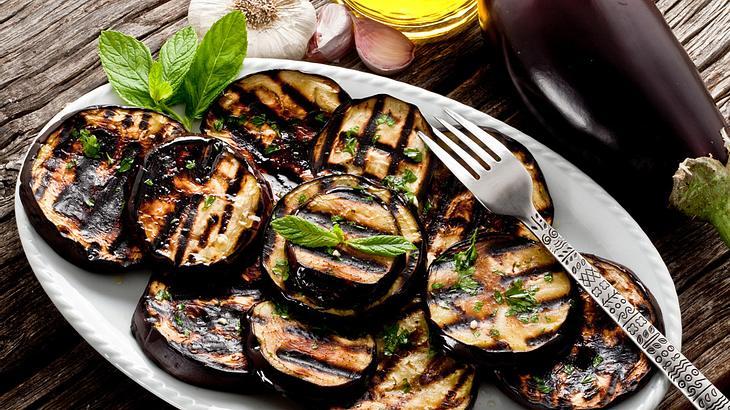 aubergine marinieren & grillen: tipps und rezepte für gegrillte