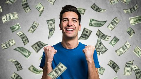 So viel musst du verdienen, damit Frauen dich attraktiv finden - Foto: iStock