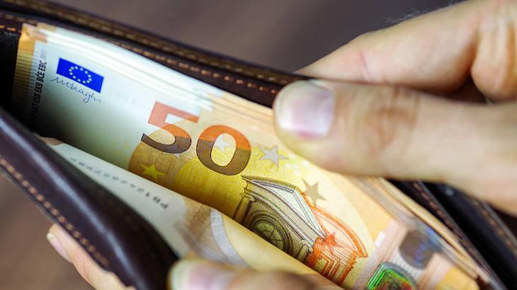 Wissenschaftlich bestätigt: Unfaire Bezahlung macht krank