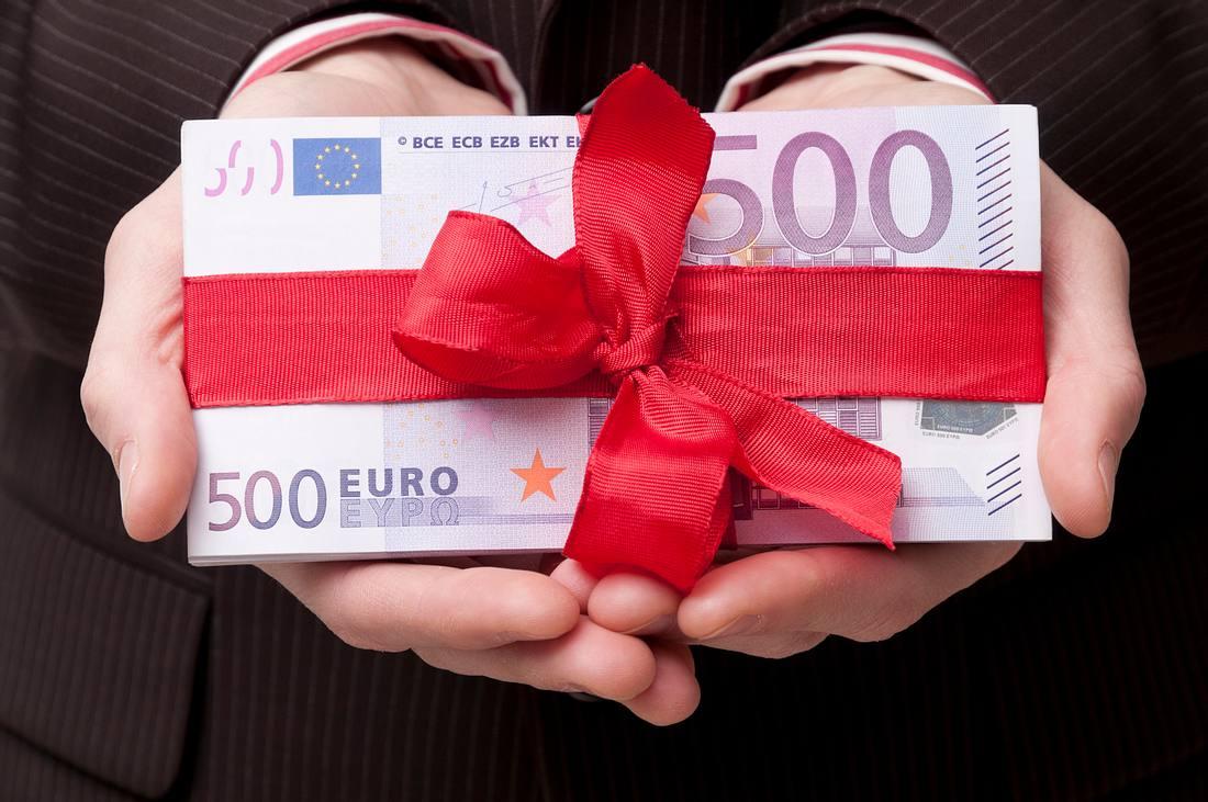 Geldgeschenk: Wie gewonnen, so zerronnen