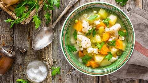 Gemüsesuppe Rezept - Foto: iStock / YelenaYemchuk