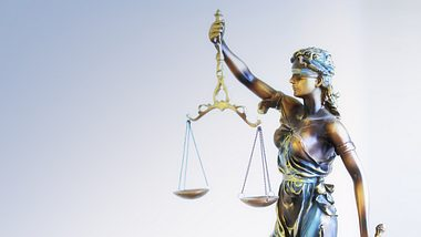Symbol für die Justiz - Foto: iStock / akiraworks