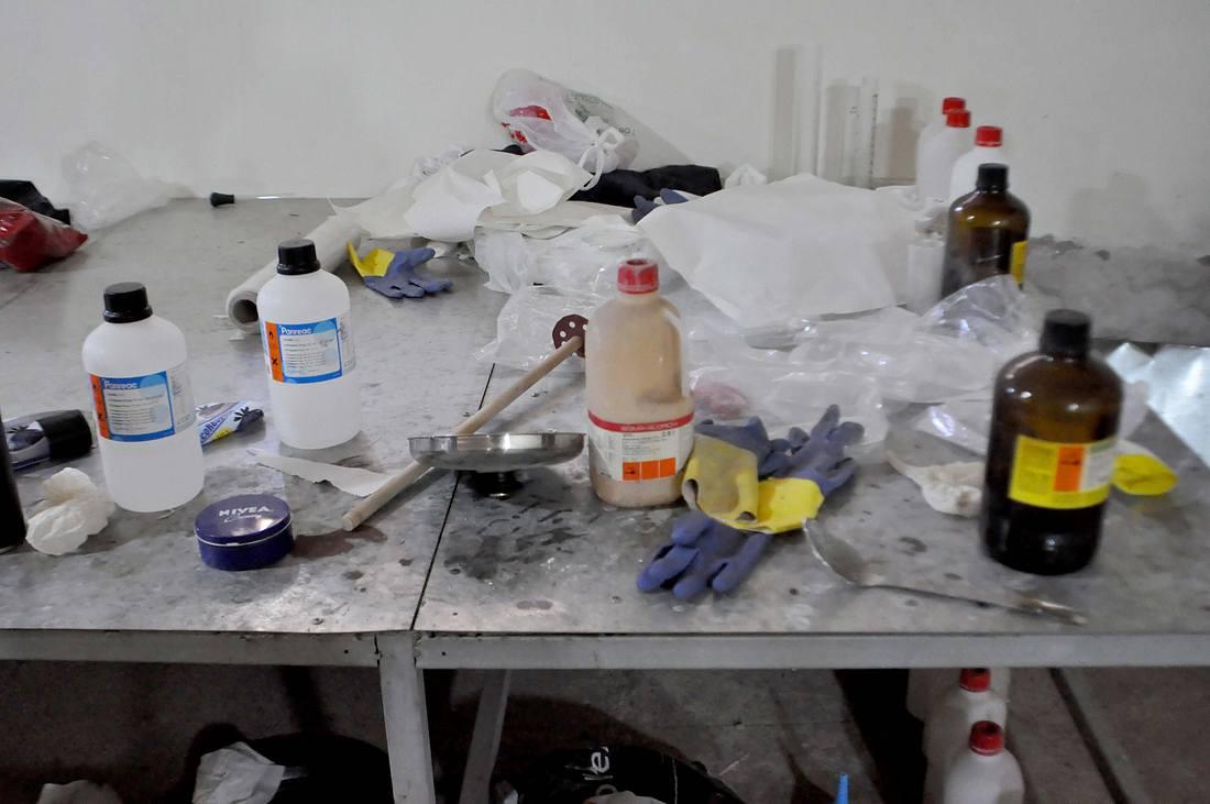 Chemikalien in einem Drogenlabor